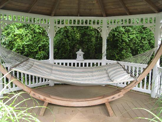The Villa: Hammock under the gazebo