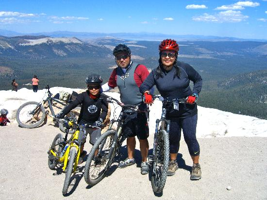 430232a4246 At the top of Mammoth Mountain - Picture of Mammoth Mountain Bike ...
