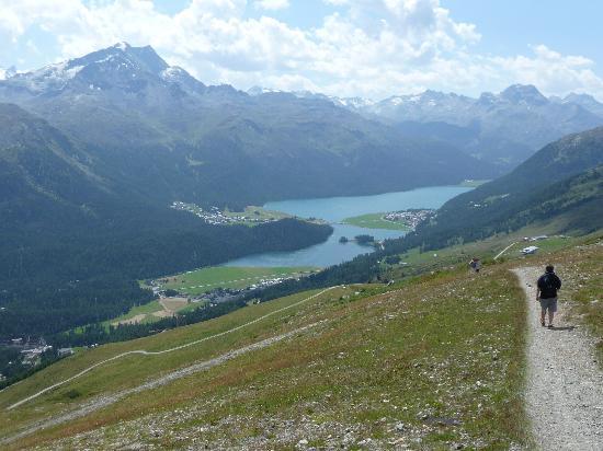 Piz Nair: Walking down from Corviglia