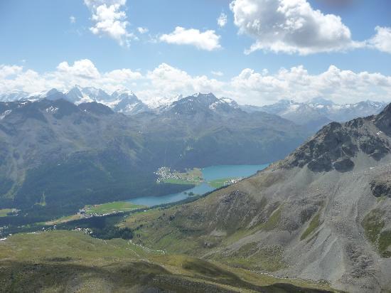 Piz Nair: View from top towards Bernina range