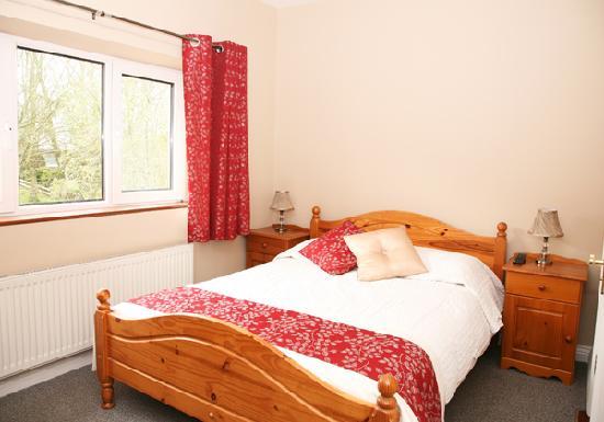 Macliam Lodge: Double Bedroom