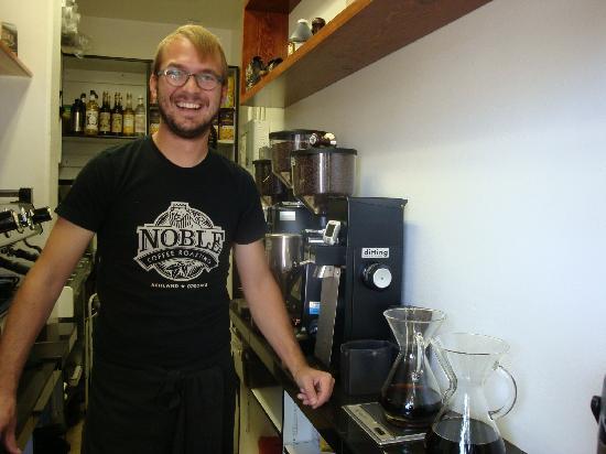 Noble Coffee Roasting : owner