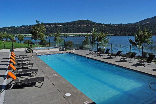 BEST WESTERN PLUS Hood River Inn: Enjoy our spectacular new pool and fitness facility.