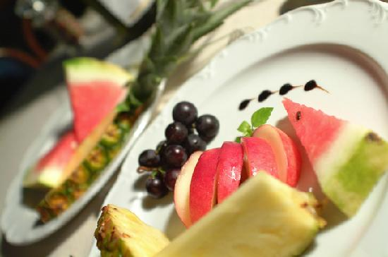 Hotel International: Fruits dish