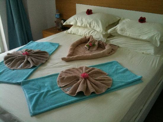 Mozaik Boutique Hotel Rooms & Apartments: Lovely surprise when the towels were changed!