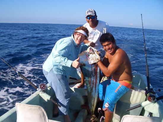 Puerto Escondido Fishing: 3rd dorado of the day - 2/11