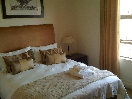 Westpoint Executive Suites: One of the two ensuite bedrooms