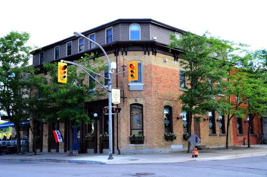 The Parlour Restaurant and Inn