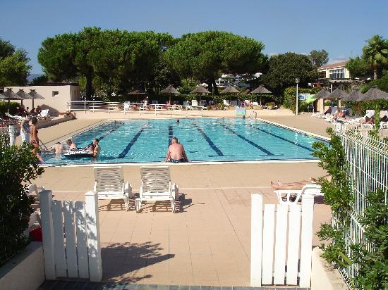 Hôtel Club Marina Viva : la piscine