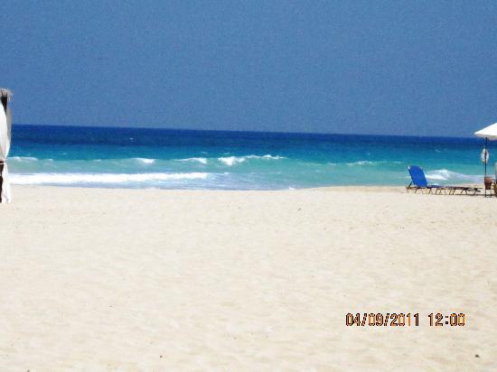 Jaz Almaza Beach Resort: la spiaggia del villaggio