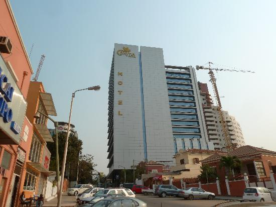 Skyna Hotel Luanda: North Side of the Skyna