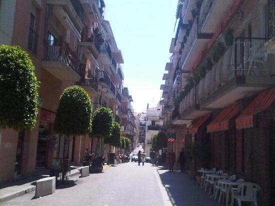 Hotel El Cid: The street outside the hotel