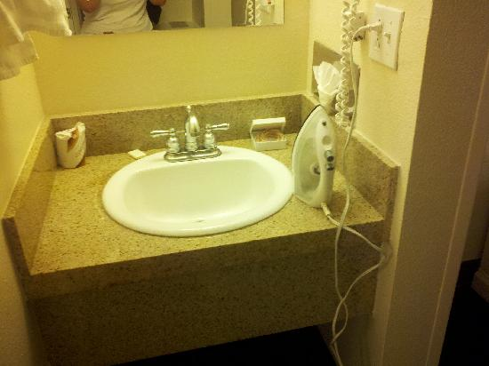 Homewood Suites by Hilton Tucson/St. Philip's Plaza University: bathroom