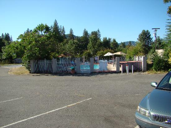 Neu Lodge Motel Picture