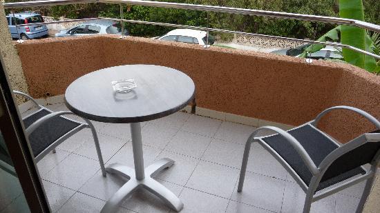 THB Guya Playa: balcony at side of hotel