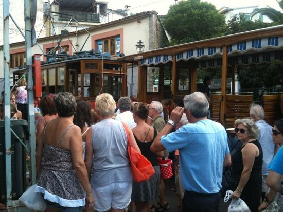SENTIDO Porto Soller : tram to soller from port