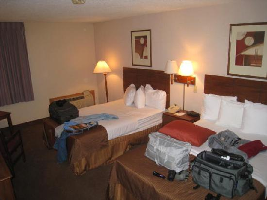 Ramada Bismarck: 2 double beds.