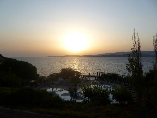 Mediterranee Hotel: SUNSET FROM THE BALCONY!!!