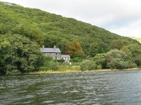 The Old Rectory on the Lake: truly beautiful part of wales
