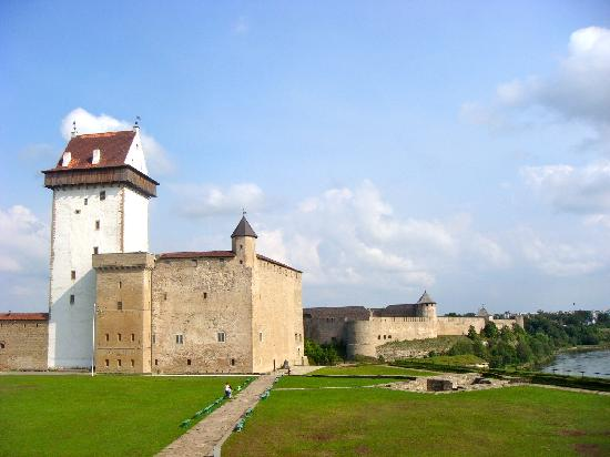Narva Knights' Fortress: view of the Fortress from the outside seating at the Castle Restaurant