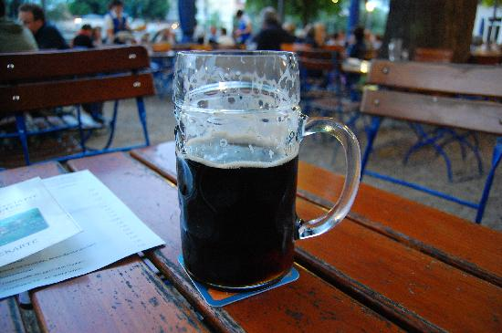 Spitalgarten: Dunkel beer