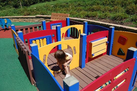 Smith Kids Play Place (Playground & Mansion): kiddie maze