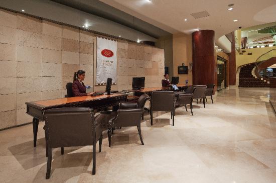 Crowne Plaza Hotel de Mexico: Frontdesk
