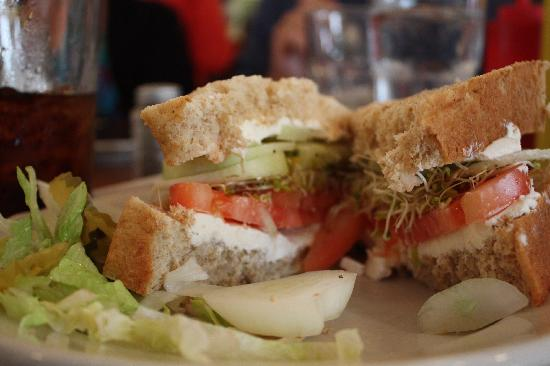 Otis Cafe : A delicious sandwich