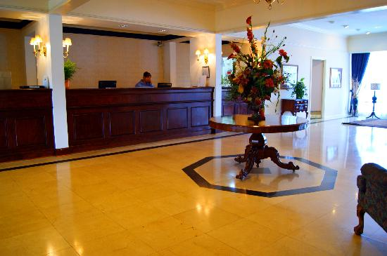 The Governors House Hotel & Convention Center: Main Lobby