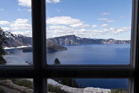 Crater Lake Lodge: View from Room