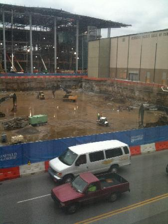 Hampton Inn & Suites Nashville - Downtown: Room view of the construction project