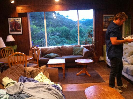 Point Reyes Hostel: Common area