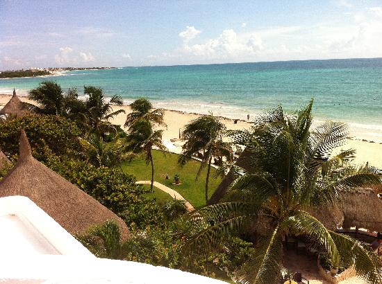 Belmond Maroma Resort & Spa : View of beach from beautiful architecture