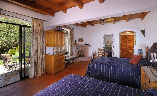 Casa Estrella de la Valenciana: A room for the family, steps from the pool