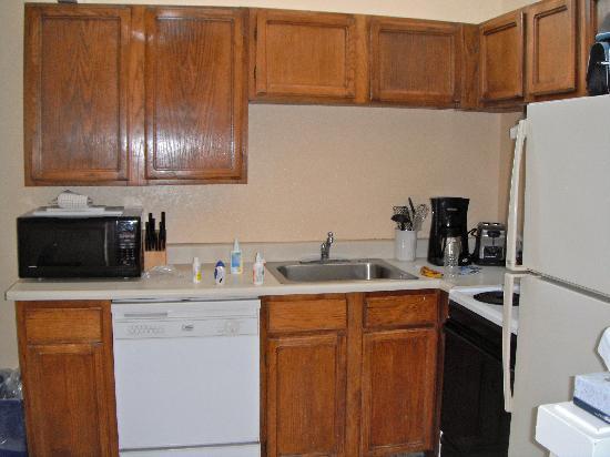 Roche Harbor Resort: condo kitchen