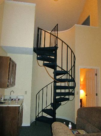 Roche Harbor Resort: stairs to loft in condo