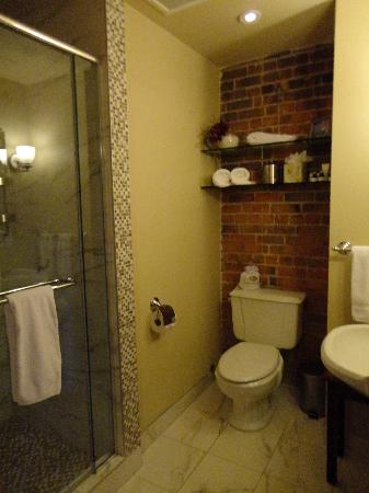 Auberge du Vieux-Port: Bathroom