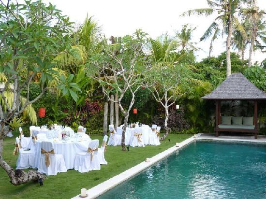 Saba Villas: Suprise BBQ dinner set up