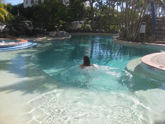 Ramada Golden Beach Resort: swimming pool