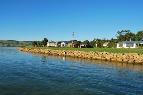 Pounawea Grove Motels - The Catlins: views from over the water