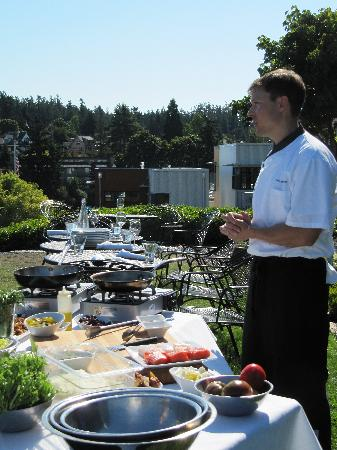 Friday Harbor House Restaurant: Chef Nicholson at the cooking class