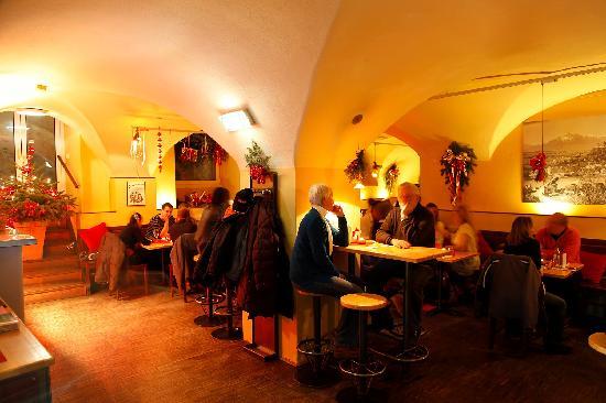 Restaurant & Bar Stadtwirt: Restaurant im hinteren Bereich