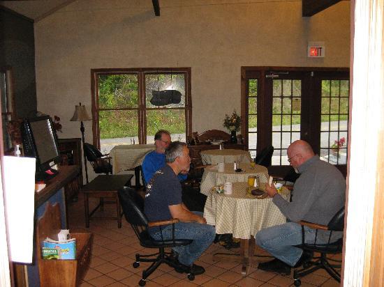 Woodberry Inn: inside the lodge