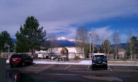 Sonesta ES Suites Colorado Springs: The view of Pikes Peak.