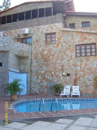 Hotel Castillo El Milagro: La piscina principal