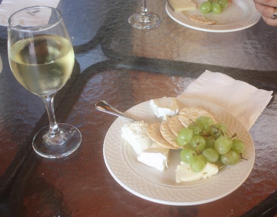 Hotel El Convento: Happy Hour at El Convento