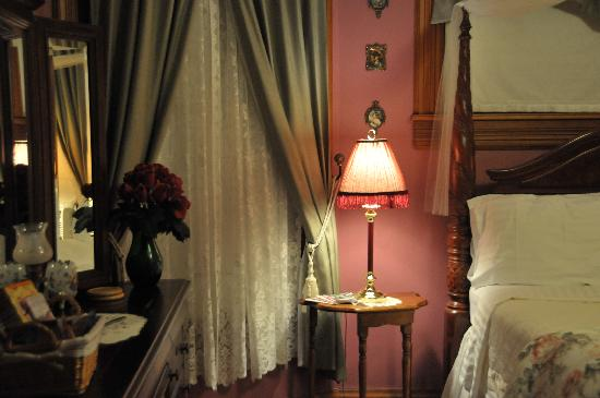 The Grand Victorian B&B: Our room
