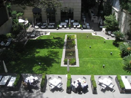 Palacio Duhau - Park Hyatt Buenos Aires: View from room