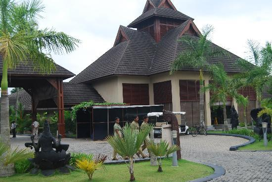 The Zuri Kumarakom: main building
