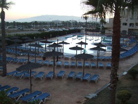 Alcazaba Mar Hotel: gran piscina